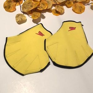 2/15$ Speedo Aqua fins for hands